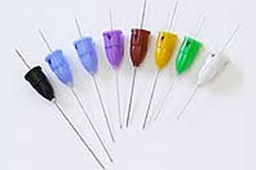 ②最も細い注射針(33G)を使用